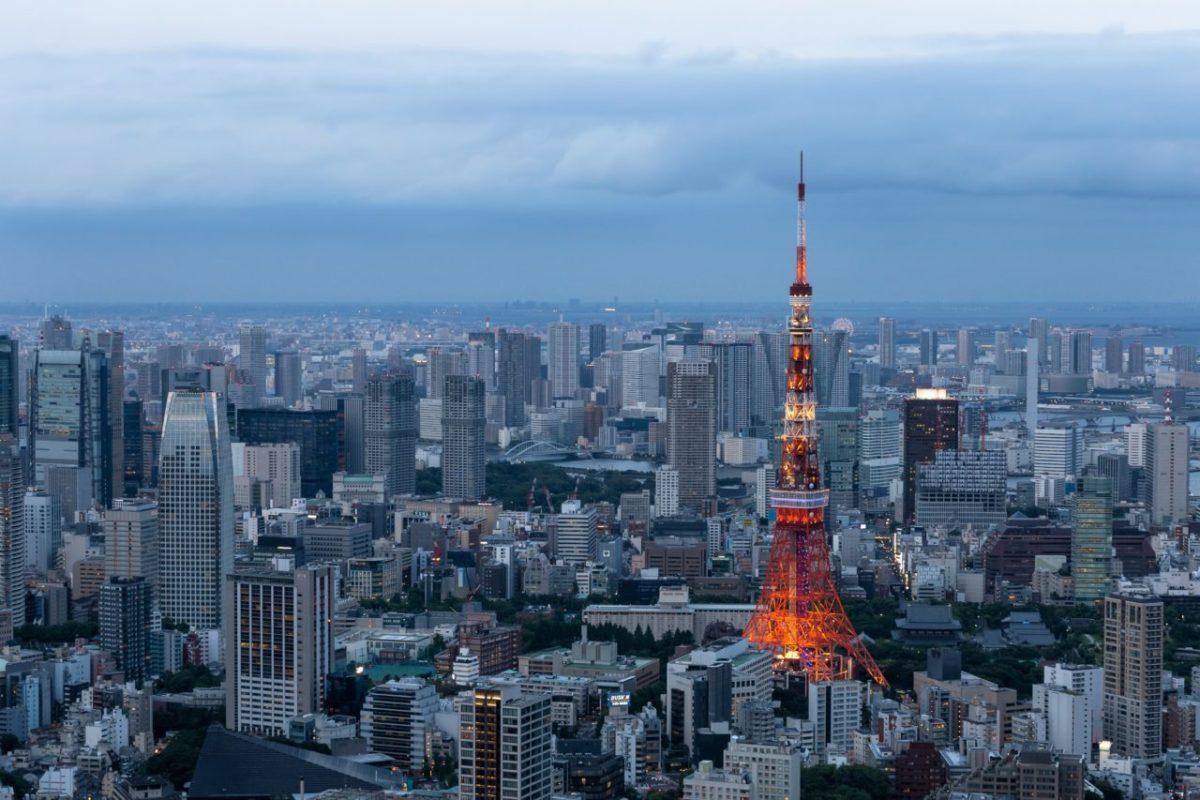 コン 東京 街