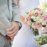 【マッチングアプリ】結婚式の馴れ初め、親に紹介する時のポイント!